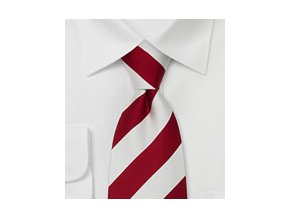 Kravata bílá s rudými proužky